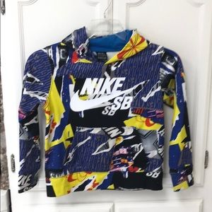 Nike SB 8 to 10 years pull over